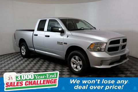 Pre-Owned 2016 Ram 1500 Express 4WD Crew Cab Pickup