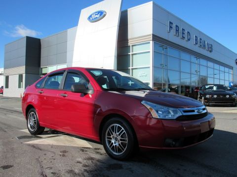 Pre-Owned 2011 Ford Focus SE FWD 4dr Car