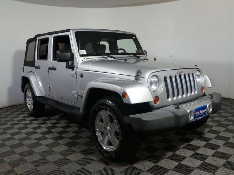 Pre-Owned 2008 Jeep Wrangler Unlimited Sahara 4WD Convertible