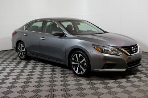 Pre-Owned 2017 Nissan Altima 2.5 SR FWD 4dr Car
