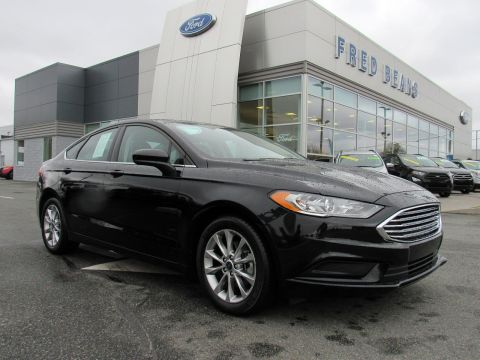 Pre-Owned 2017 Ford Fusion SE FWD 4dr Car